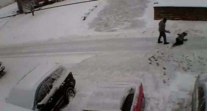 Un hombre mata a tiros a dos vecinos tras una pelea por limpiar la nieve en EE.UU.