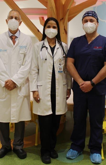 Cardiólogos realizan novedosa intervención a niño