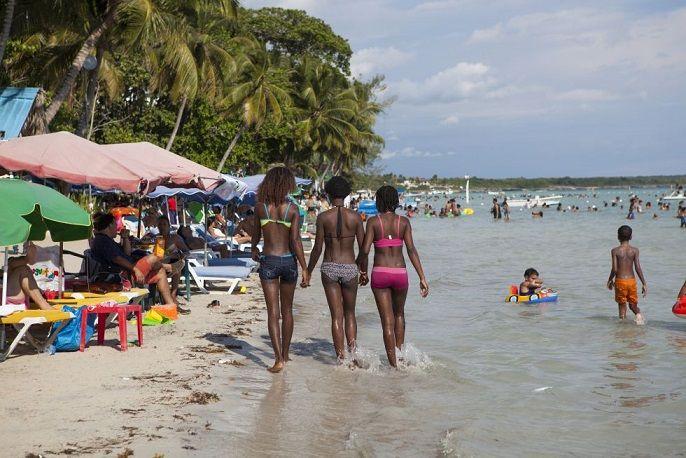 Prohíben venta de bebidas alcohólicas en las playas RD