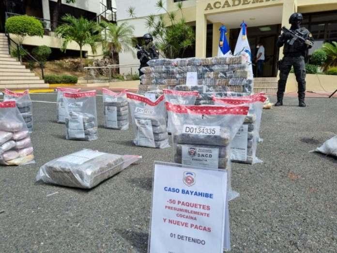Ocupan 450 paquetes presumiblemente cocaína en Puerto Caucedo