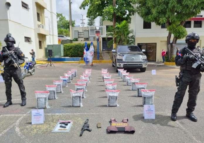 Detienen a siete personas y ocupan 168 paquete de cocaína en Barahona