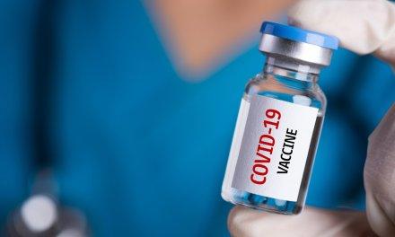 Ecuador ha recibido cerca de 300 mil vacunas para covid-19, según informe oficial