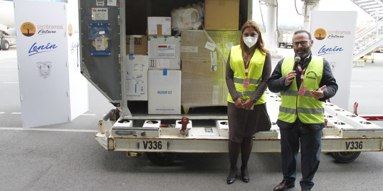 53.820 dosis de vacunas Pfizer llegaron a Ecuador