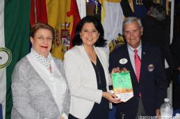 LAS CONCEJALAS RECIBIERON UN RECUERDO DE LOS LEONES DE MANOS DEL GOBERNADOR 16