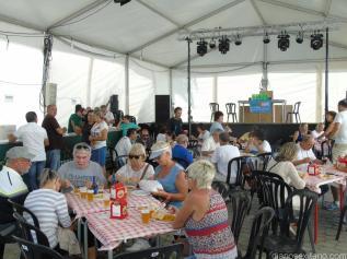 ambiente-caseta-fiestas-barrio-san-miguel-16