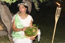 una-de-las-participantes-en-dionisio-theatre-durante-la-apertura-del-festival-16