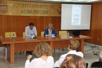 alcaldesa-almunecar-inauguro-jornada-arqueologia-historia-costa-tropical-16