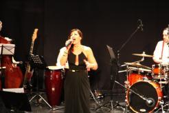 sandra-morales-y-la-big-band-atarfe-en-concierto-en-almunecar-16