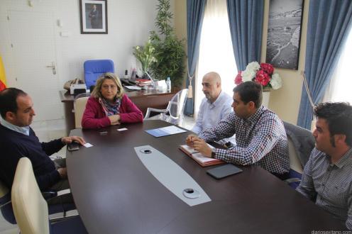 ALCALDESA ALMUÑECAR CON REPRESENTANTES DE ENDESA EN ALCADIA AYTO. 17
