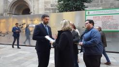 ALCALDESA ALMUÑECAR ENTREGA AL CONSEJERO DE TURISMO INFORME TURISTICO MEJILLONERA 17
