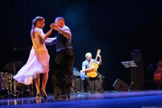 MUSICA Y BAILE PARA EL TANGO EN ALMUÑECAR CON FERNANDO EGOZCUE 17 (3)