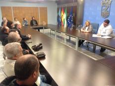 REUNION ALCALDESA Y CONCEJAL DE TURISMOCON CHIRINGUITOS EN AYUNTAMIENTO 17