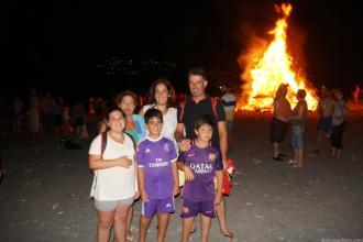 FAMILIAS SE ACERCARON A LA HOGUERA DE SAN JUAN 17