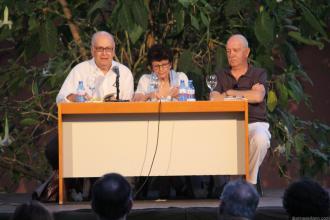 ALVARO SALVADOR DURANTE LA LECTURA POETICA EN LOS JARDINES DE L NAJARRA DE ALMUÑECAR 17