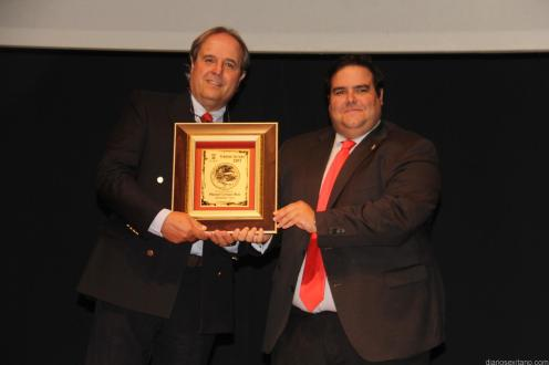 MANUEL CRESPO PRESIDENTE FEDERACION SUBMARINISMO RECIBIO DEL CONCEJAL TURISMO 17