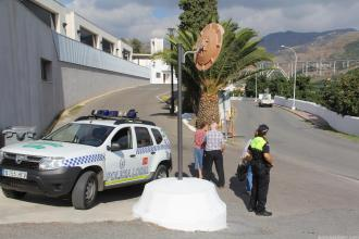 POLICIA LOCAL ALMUÑECAR EN ACCESOS AL CEMENTERIO 16