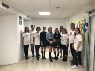 Alumnas con colectivo AVOI en Hospital Malaga 17