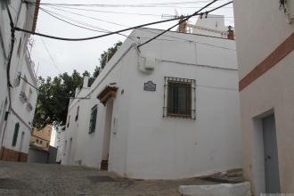 ACCESO A CALLE SAN JOAQUIN EN BARRIO SAN MIGUEL ALMUÑECAR 18