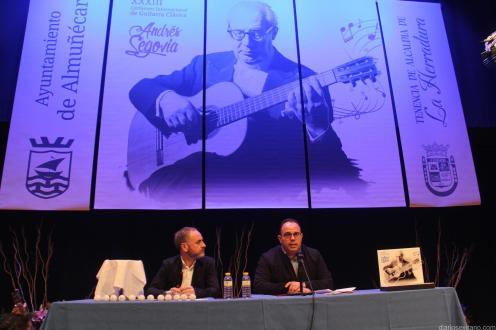 BIENVENIDA Y SORTEO GUITARRISTAS PARTICIPANTES ANDRES SEGOVIA LA HERRADURA 18