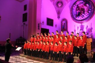 Coro Escolanía dle Real Monasterio de San Lorenzo dle Escorial durante la actuación en Almuñécar 18