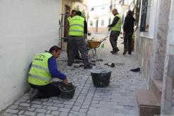 Operarios municipales realizan ultimos remates en calle San Pedro 18