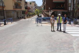 ALCALDESA Y EDIL DE OBRAS JUNTO A TECNICOS EMPRESA CONSTRUCTORAAVENIDA ANDALUCIA 18