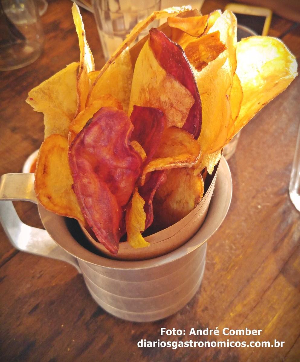 Teus Restaurante, chips de batata rustica