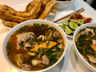 Banh Canh with Chinese donut