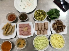 all the yummy fillings for banh uot