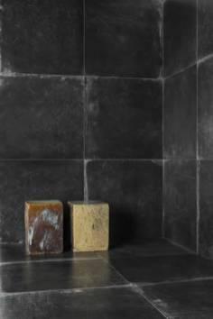 decortiles-laca-black-ac-90x90cm-amb-02