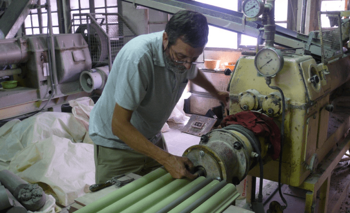 Toni Cumella at work in his studio