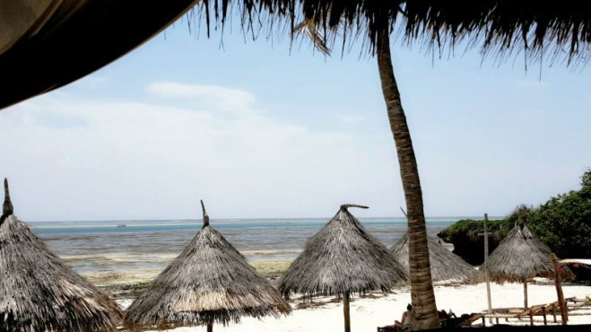 mayungu-beach