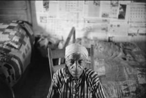 Një grua që pati lindur në skllavëri fotografohet në Grinsboro, Alabama më 1941. Foto: Jack Delano/Libraria e Kongresit
