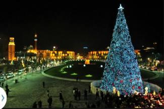 Pema e Krishtlindjeve ne qender te Tiranes