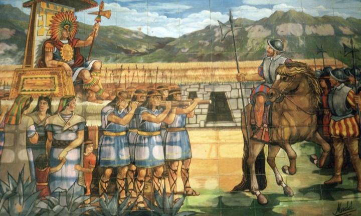 Një mozaik në Kajamarka tregon takimin më 1532 mes konkuistadorit Pizarro dhe Inca Atahuallpa. Foto: Mireille Vautier/Alamy
