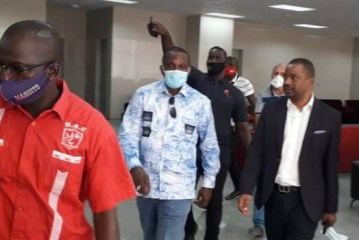 Stade Général Lansana Conté de Nongo : Le Ministre d'État, Tibou Kamara dit être surpris par la qualité de la bâtisse