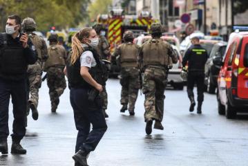 France: Attaque à la machette près des anciens locaux de Charlie Hebdo: deux blessés et deux suspects arrêtés, le parquet antiterroriste saisi!