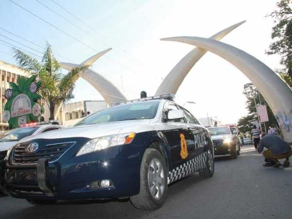 The four Mombasa county police cars that will fight crimes at the City, as they were passing at Moi Avenue. /FILE