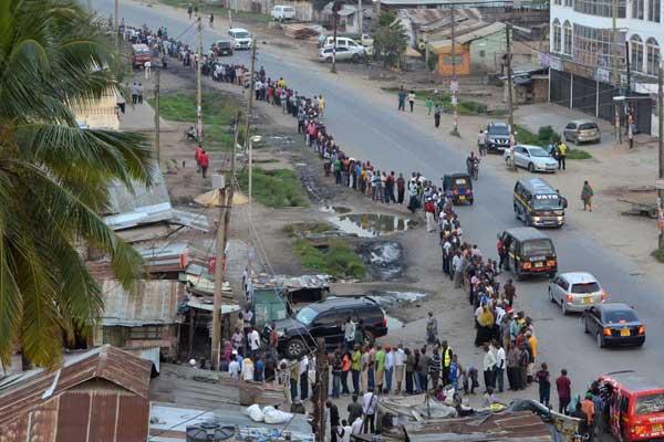 People queue to cast ballot at the Ziwa la