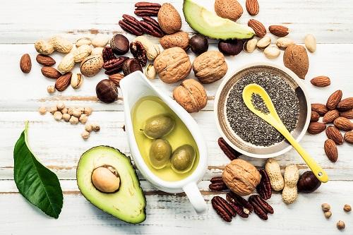 Τροφές πλούσιες σε καλά λιπαρά: Οι καλύτερες πηγές