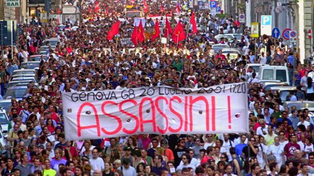 manifestacion-antiglobalizacion-genova-carlo-giuliani-ap_ediima20150407_0744_13