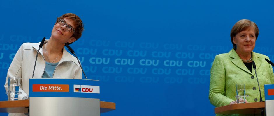 Karrembauer, la mini Merkel
