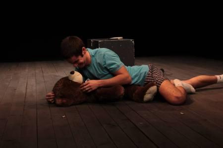 הצגה ארבעתנו על הגשמת חלומות אימון לאמנים