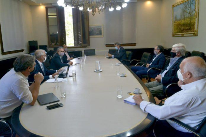 Maíz: el agro se comprometió a garantizar el abastecimiento y el Gobierno analiza reabrir las exportaciones