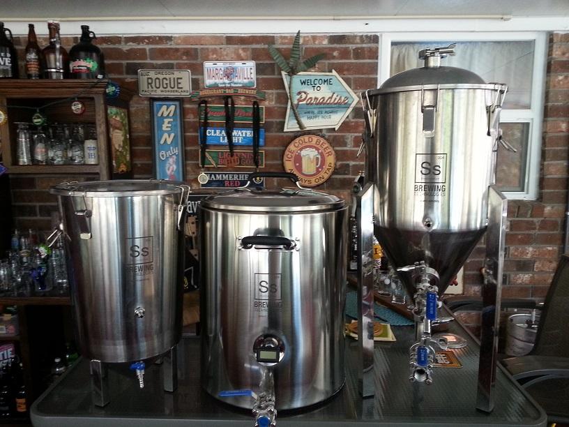 SS Brewing Technologies Brew Bucket Fermenter Mash Tun, and Chronical Fermente