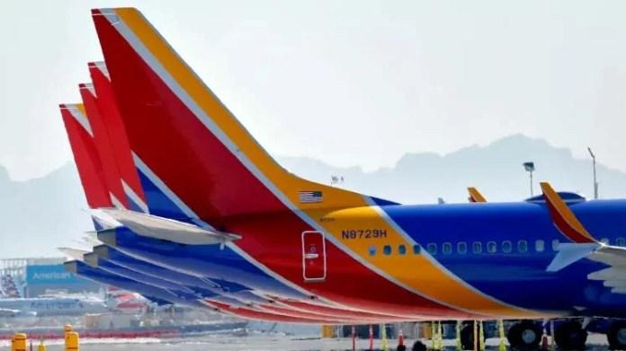 Os jatos Boeing 737 Max estão aterrados no Aeroporto Internacional Sky Harbor, quinta-feira, 14 de março de 2019, em Phoenix. Foto: Matt York