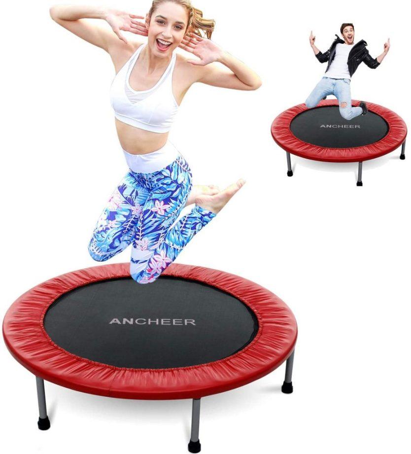 treino jump no trampolim 927x1024 - Benefícios do Jump: divertido, rápido e ideal para emagrecer