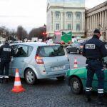 Pháp dán nhãn xe hơi để giảm ô nhiễm không khí