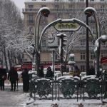 Chiêm ngưỡng Paris đẹp lung linh như cổ tích trong tuyết trắng