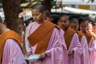 Expo femmes & enfants birmans-11